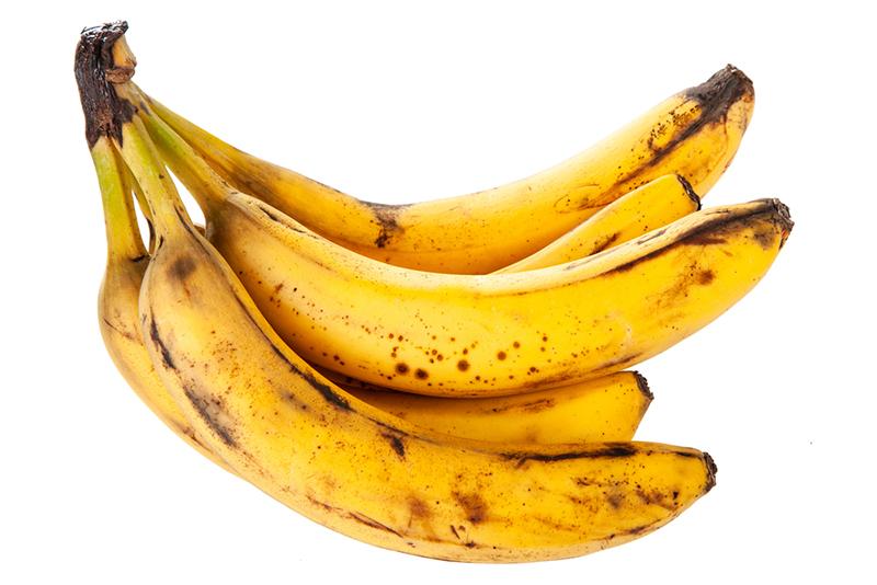Варю клубнику с бананом из расчета 1 : 3. Ягода не раскисает, а сироп густой без конфитюра!