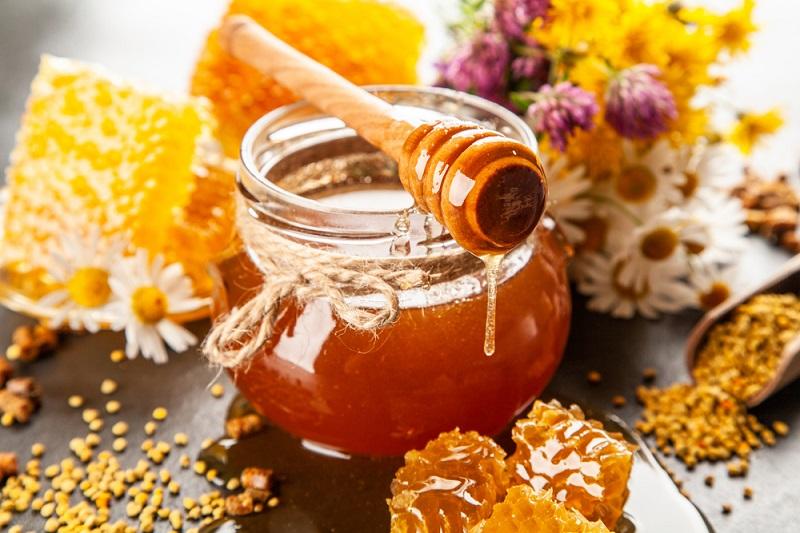 Зачем есть мёд на ночь: удивительное влияние на здоровье