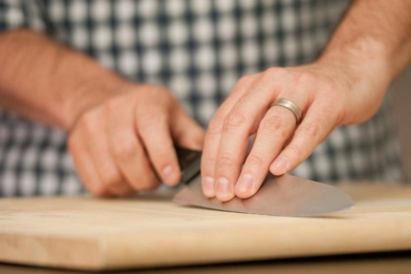 Как заточить все ножи без помощи мастера: 5 дельных советов