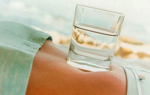 Пейте воду и теряйте до 10 кг в месяц!