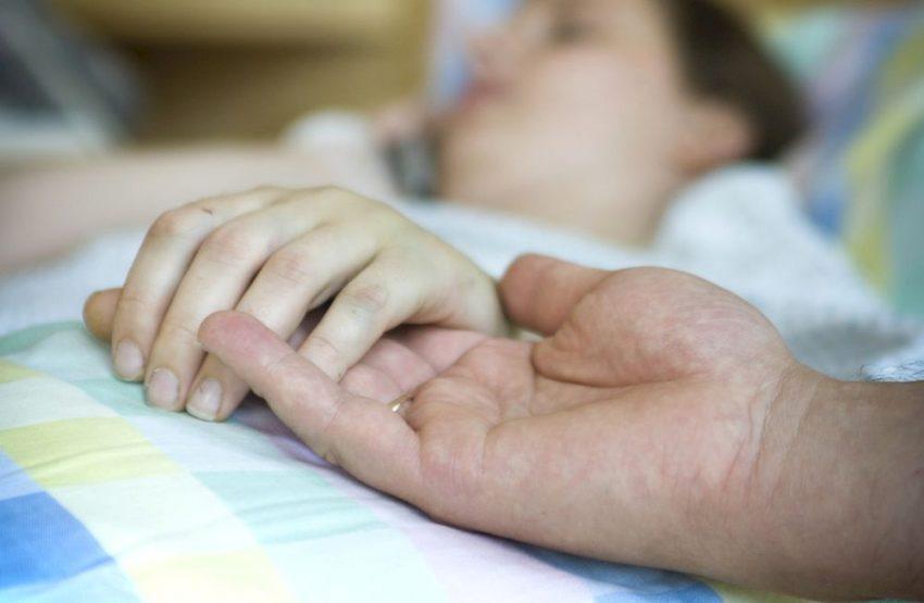 Почему не стоит бороться за жизнь умирающего — страшный совет от врача Алексеевой