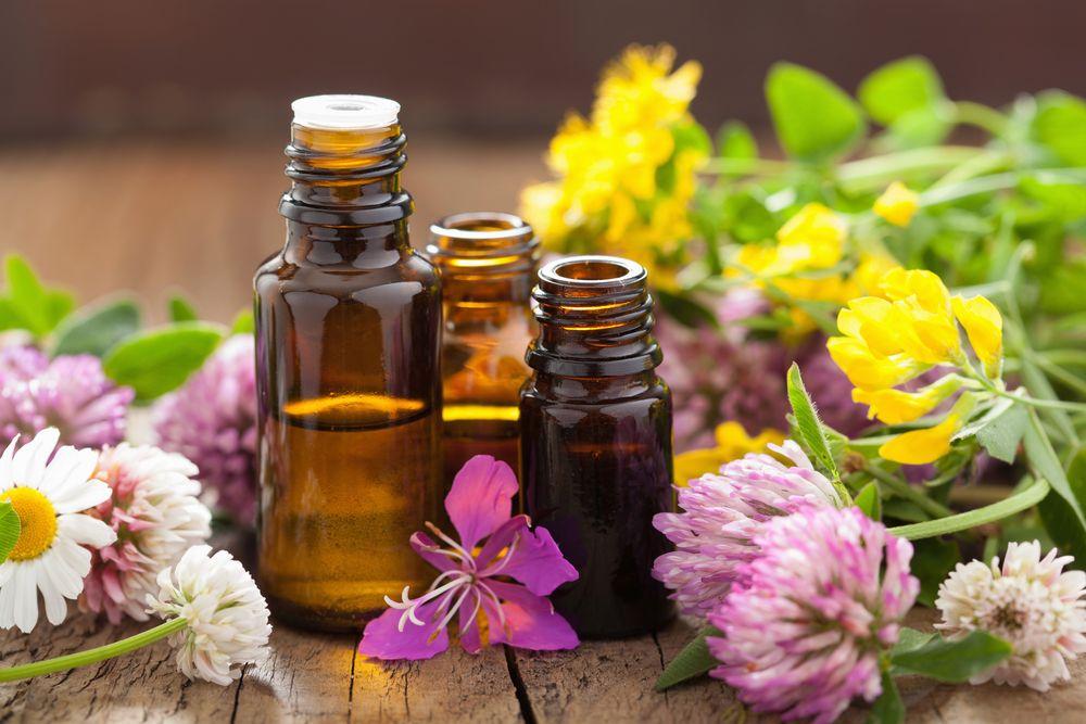 Лучшие 3 эфирных масла, которые не допустят старения кожи!