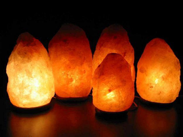 Вот как соляные лампы помогают людям избавиться от тревоги