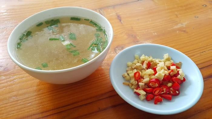 Лимонный диетический суп с имбирем