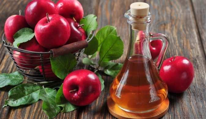 Диетолог показывает, каким способом яблочный уксус лучше всего подходит для сжигания жира на животе