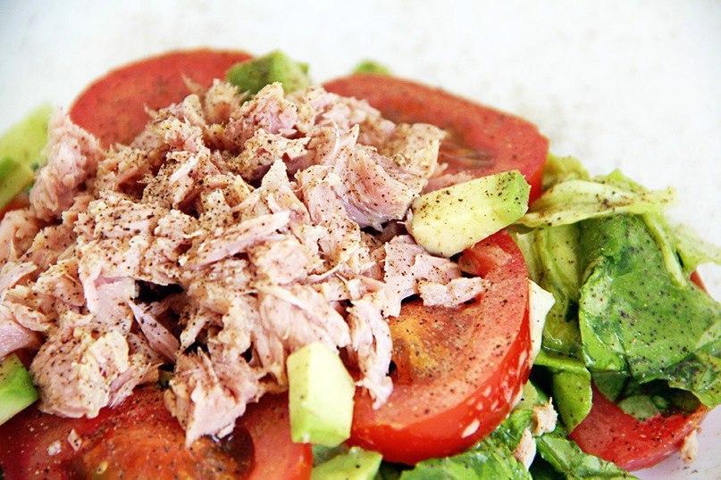 Низкокалорийный салат с тунцом для ПП-ужина