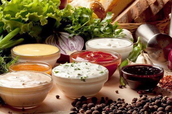 10 вариантов разных полезных домашних соусов